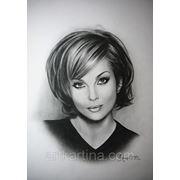 Чёрно-белый женский портрет. Портрет Изабеллы Скорупко фото