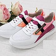 Стильные лаковые кроссовки со вставками гипюра и замша ( 3 цвета ) фото