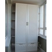Белый шкаф и стенка на балкон фото