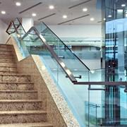 Ограждения лестниц стеклянные фото