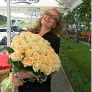 Доставка роз Бровары, самая быстрая доставка и недорого фото