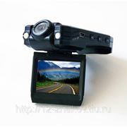 Авто-видеорегистратор с поворотными камерой и экраном. (CARCAM) Designed in Taiwan. фото