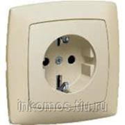 Розетка Suno 2К+З с защитными шторками, Белый | арт. 774021 | Legrand