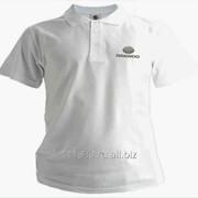 Рубашка поло Daewoo белая вышивка серебро фото