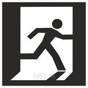 Знак безопасности Выход здесь (правосторонний) (Металл СВ) (E 01-02) 200x200 фото