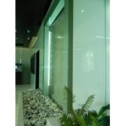 Водопады по стеклу фото