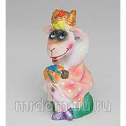 """15600 фигурка гипсовая """"коза с подарком"""" (852210) фото"""