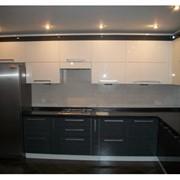 Темный кухонный гарнитур фото