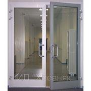 Металлопластиковые и алюминиевые двери фотография