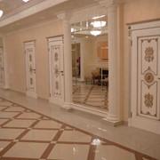 Двери межкомнатные с резьбой фото