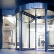 Двери: Автоматические раздвижные двери (стекло, покраска профиля по смете ) фото
