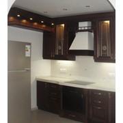 Кухонная мебель из массива фото