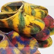Домашние тапочки мраморной расцветки фото