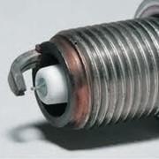 Свечи зажигания Свеча зажигания — устройство для воспламенения топливо-воздушной смеси в самых разнообразных тепловых двигателях. Бывают искровые, дуговые, накаливания, каталитические. фото