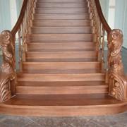 Лестница из дерева фото