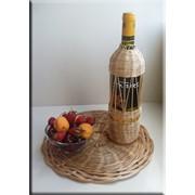 Вино в плетёной бутылке в подарок! фото