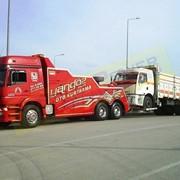 Услуги грузового эвакуатора фото