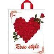 """Пакет """"Сердце из роз"""" с петлевой ручкой фото"""