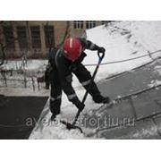 Очистка карниза от снега фото