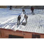 Ручная уборка снега фото