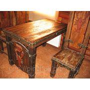 Дизайн интерьера ресторанов мебель под старину. Стол и стул. фото