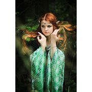 Зеленое платье из бархата и парчи фото