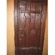 Двери под старину простые. фото