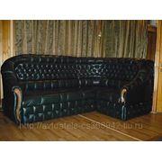 Ремонт и перетяжка дивана натуральной кожей фото