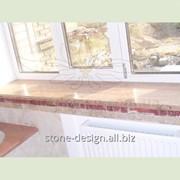 Красный подоконник из натурального камня. Материал: Рохо Аликанте (Испания)