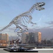 Скелет динозавра из фигурного стекла фото