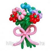 Букет цветов в подарок из воздушных шариков фото