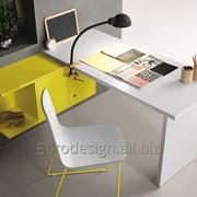 Мебель для детской комнаты scrittoio su pensile luce фото