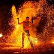 Огненное шоу на праздник. фото