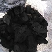 Древесный уголь твёрдых пород древесины фото