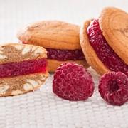 Малинки - бисквиты с ягодным джемом фото