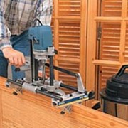 Врезка замков и петель на профессиональном оборудовании. Полная подготовка дверного блока к монтажу. фото