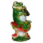 Фигура Лягушка со скрипкой фото