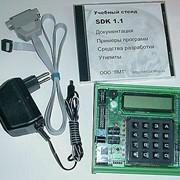 Учебный лабораторный комплекс SDK–1.1 для освоения студентами архитектуры и методов проектирования на базе микроконтроллера ADuC812 с ядром MCS–51. фото