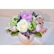 Цветочное оформление свадеб, букет невесты, композиции на стол, арка из цветов, бутоньерки, украшение бокалов и салфеток цветами фото