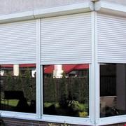 Изделия из ПВХ, окна, двери. перегородки. фото