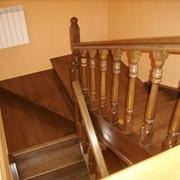 Лестницы маршевые с поворотной площадкой фото