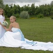 Дизайн и пошив уникальных свадебных платьев, изготовление и подбор эксклюзивных аксессуаров фото