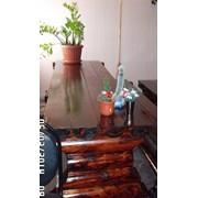Массивные столы из бревна фото