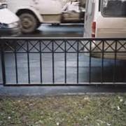 Решетка пешеходного ограждения фото