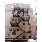 Лестница из металлокаркаса P4210036 фото