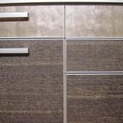 Мебельные фасады из алюминиевого торцевого профиля с глухим наполнением фото