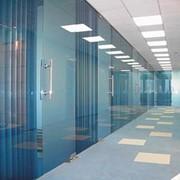 Проектирование, изготовление, монтаж стеклянных конструкций. Офисные перегородки стеклянные фото