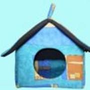 Дома и лежанки для кошек и собак фото