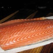 Филе лосося 1+ (весовая продукция). Купить филе лосося фото