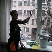 Мытье окон, витрин